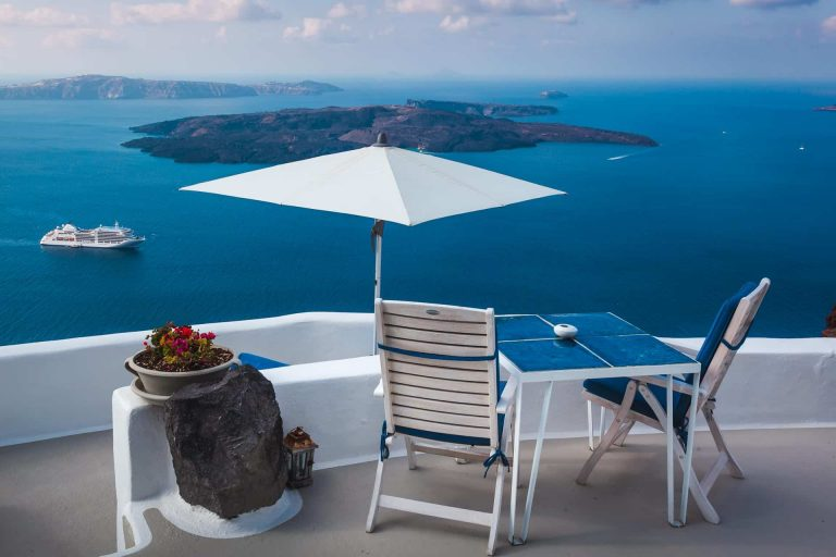 The Best Places to Visit in Santorini, Greece